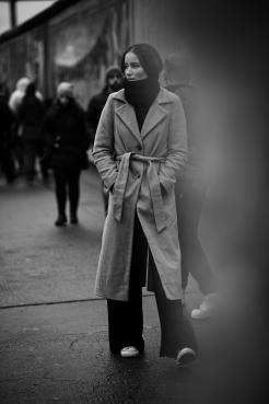 M: Sara Blusseau